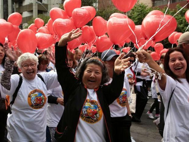 Caminhada do Coração  levou milhares às ruas de Curitiba (Foto: Jaelson Lucas/ Prefeitura de Curitiba/ Divulgação)
