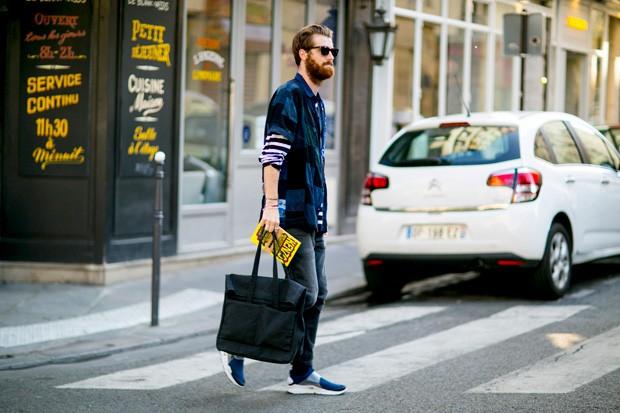 Perca o preconceito: a bolsa tote é perfeita para o dia a dia (Foto: Imaxtree)