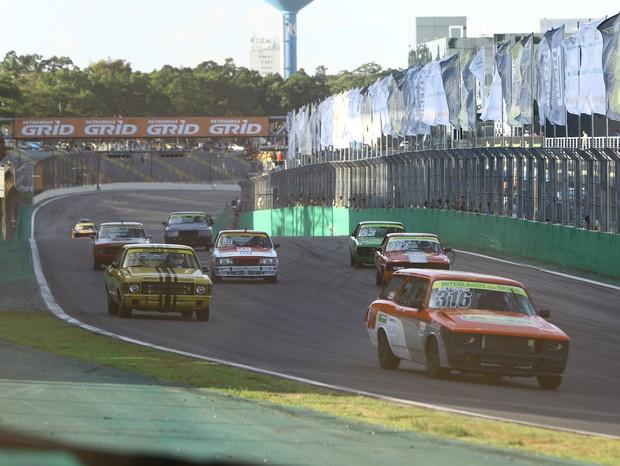 Largada da Opala 250 Race na nona etapa da Old Stock Race (Foto: Andre Santos/TimeSport)