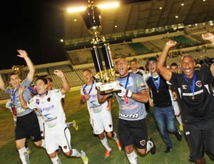Genivaldo conquista seu primeiro título estadual pelo Botafogo-PB (Foto: Magnus Menezes / Jornal da Paraíba)
