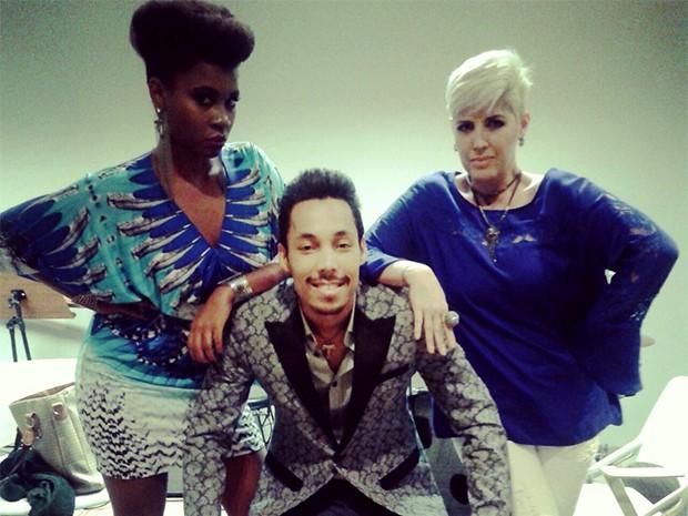 Ester Freitas, Kiell Cavalcanti e Naíma demonstram sintonia nos bastidores (Foto: Raphael Dias/ Gshow)