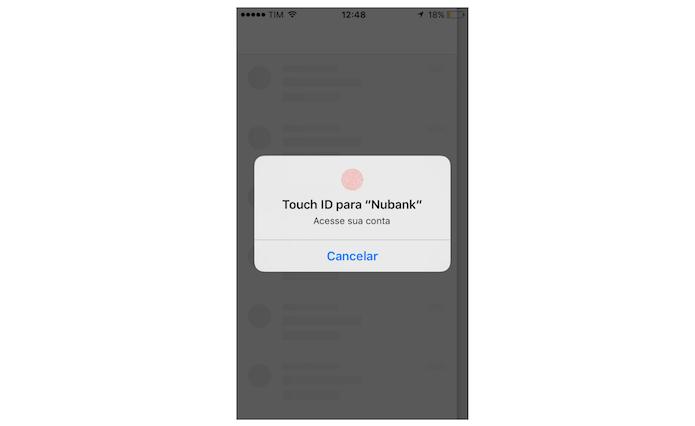 Usando sua digital para desbloquear o Nubank no iPhone (Foto: Reprodução/Marvin Costa)