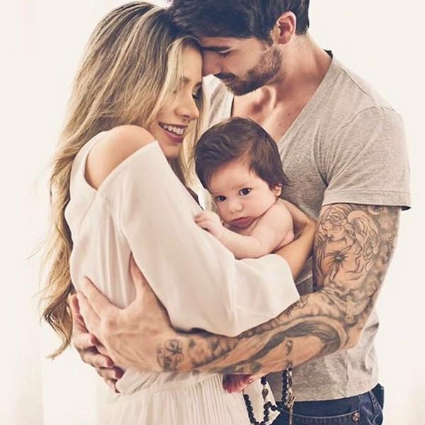 Adriana posa com Rodrigão e o filho (Foto: Reprodução/Instagram)