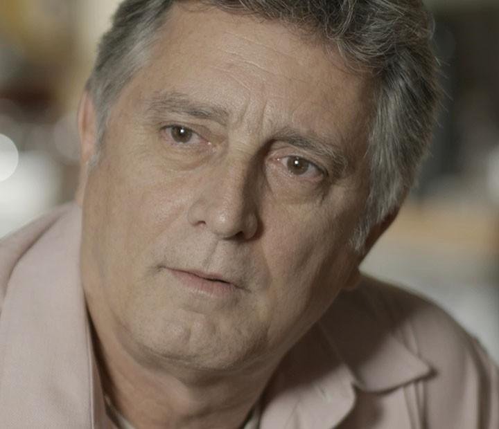 Jorge fica chocado com o que escuta (Foto: TV Globo)