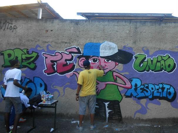 Grafitismo nos muros da Escola Municipal Pedro Aleixo - Arte-educação (Foto: Divulgação)
