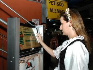 As informações contidas nos painéis podem ser visualizadas em três idiomas (Foto: Rogério Pires/Divulgação)