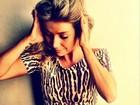 Luiza Possi publica foto com barriguinha de fora e ganha elogios
