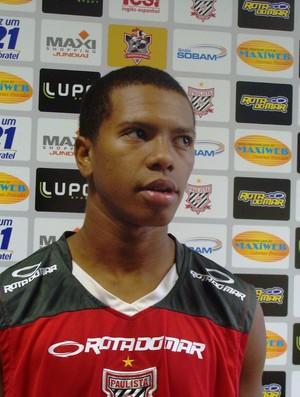 Meia promete torcida fora de campo (Foto: Assessoria/Paulista FC)