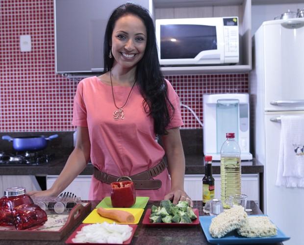 Dig Dutra começou a cozinhar há menos de dois anos, após casar (Foto: Mais Você / TV Globo)