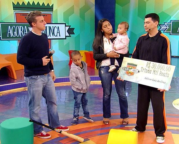 Taxista levou o prêmio de R$ 30 mil  (Foto: Caldeirão do Huck/TV Globo)