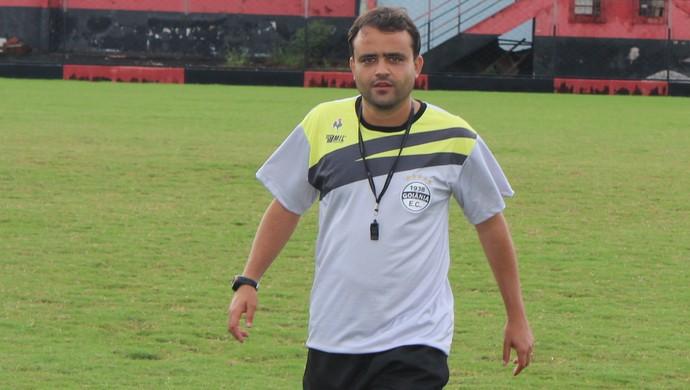 Fabrício Carvalho - técnico Goiânia (Foto: Fernando Vasconcelos / Globoesporte.com)