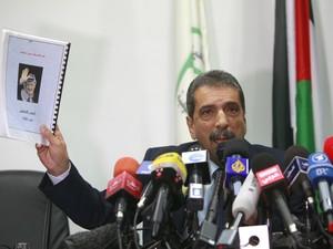 Taufik Tirawi, presidente da comissão criada pela Autoridade Nacional Palestina (ANP) (Foto: AP Photo/Majdi Mohammed)