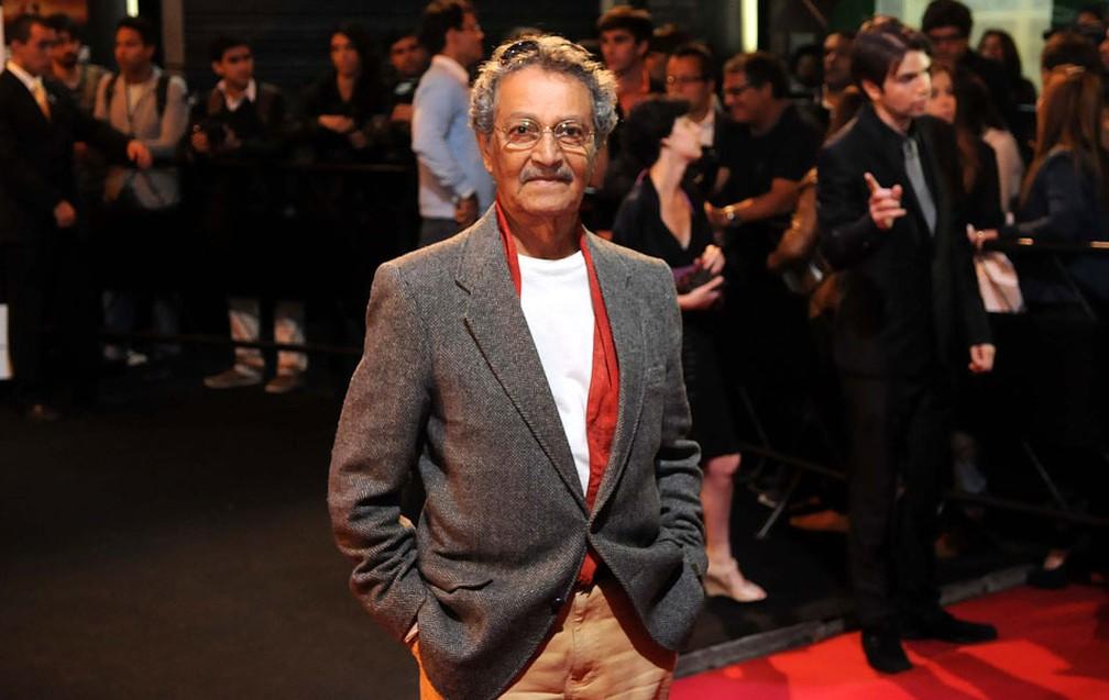 O ator Nelson Xavier chega ao Cine Odeon para a exibição de 'Gonzaga - De pai para filho', de Breno Silveira (Foto: Alexandre Durão/G1)
