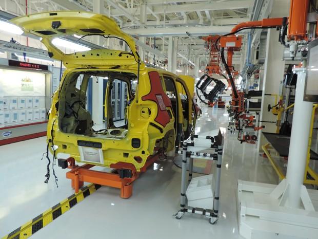 Planta da Jeep foi pensada para gastar pouca energia e facilitar trabalho do funcionário (Foto: Katherine Coutinho / G1)
