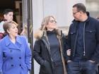 Jennifer Lopez passeia com o namorado e a mãe em Nova York