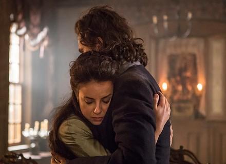 Joaquina descobre gravidez e diz para Xavier ficar com Branca