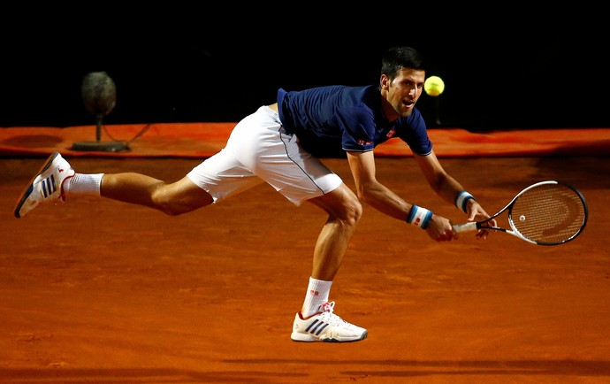 Novak Djokovic na partida contra Juan Martin Del Potro no Masters 1000 de Roma (Foto: REUTERS/Stefano Rellandini)