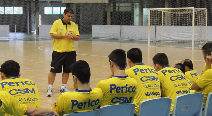 Sérgio Lacerda Jaraguá Futsal técnico (Foto: João Lucas Cardoso)