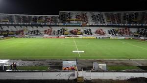 Estádio do Arruda vazio -  Santa Cruz x Botafogo-PB (Foto: Felipe Gomes/GloboEsporte.com)