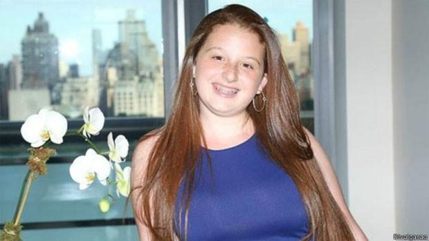 Noa Mintz estava tão descontente com a qualidade das babás contratadas por seus pais para cuidar dela e dos irmãos que decidiu criar sua própria empresa - aos 13 anos (Foto: BBC)