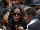 Enteado de Usher, morto aos 11 em acidente de jet ski, é enterrado