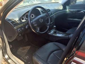 Mercedes Bentz possui câmbio automático e está disponível a partir de R$ 15 mil (Foto: Jéssica Nascimento/G1)