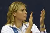 Sharapova n�o entra em quadra e v� R�ssia ser eliminada na Fed Cup
