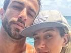 Erasmo Viana exibe barriga trincada em selfie com Gabriela Pugliesi