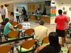Pacientes aguardam atendimento no Hospital Municipal de Paulínia, SP (Foto: Reprodução / EPTV)