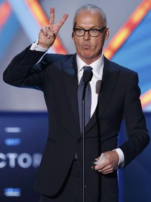 Michael Keaton levou dois prêmios no 20º Critics' Choice Movie Awards, em Los Angeles (Foto: REUTERS/Mario Anzuoni)