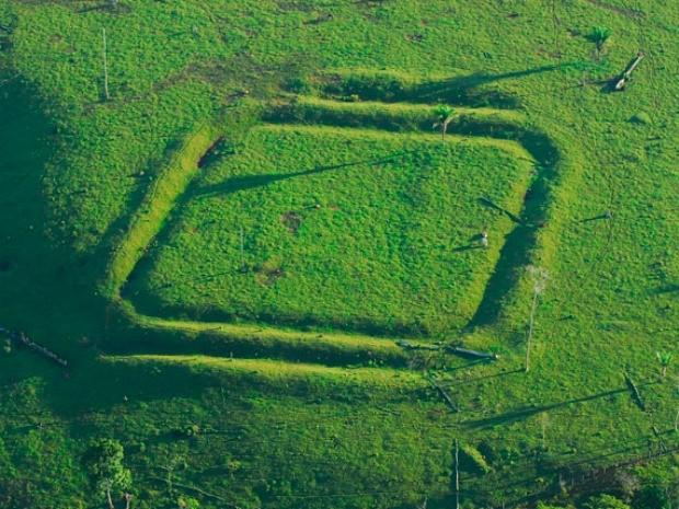 Geoglifo de Água Fria, em Xapuri (Foto: Diego Gurgel/Divulgação Ufpa)