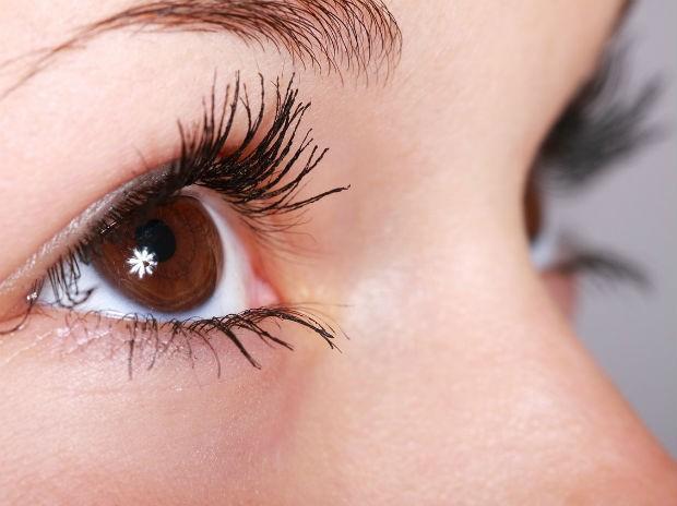 Terapeuta que analisa íris dos olhos faz palestra gratuita em Varginha, MG 06a078aa07