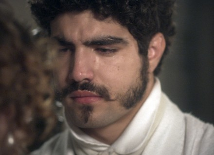 Pedro tenta beijar Leopoldina