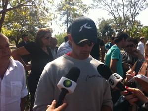 André Tapajós, filho do agente federal morto em cemitério de Brasília (Foto: Filipe Matoso/G1)