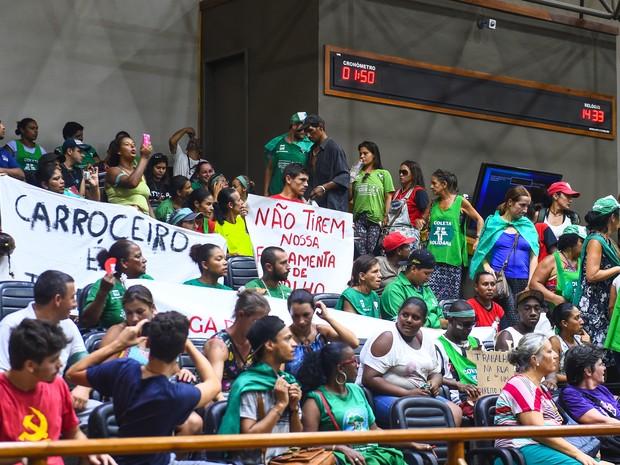 Grupo de catadores ocupou plenário da Câmara de Porto Alegre em protesto (Foto: Ederson Nunes/CMPA)