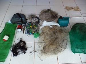 Petrechos de pesca apreendidos pela PMA em Mato Grosso do Sul  (Foto: Divulgação/PMA)