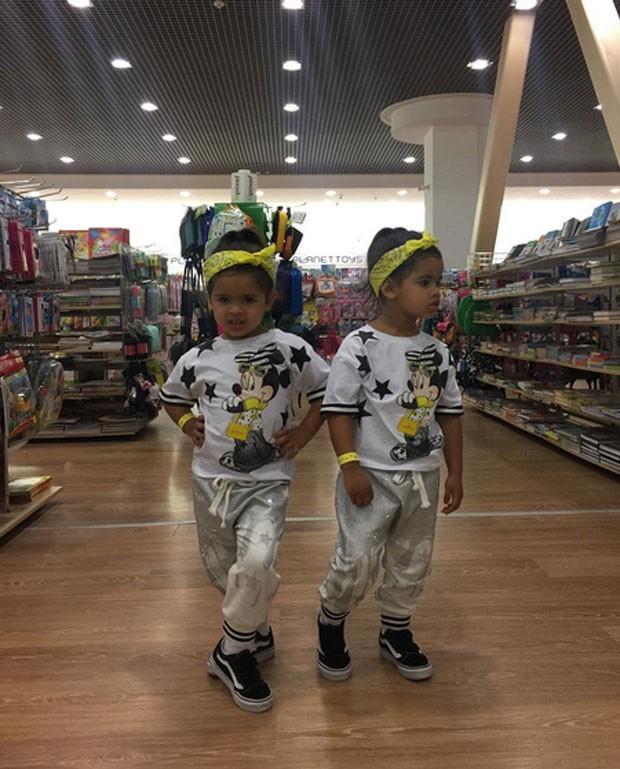 As gêmeas de Dani Souza (Foto: Reprodução)