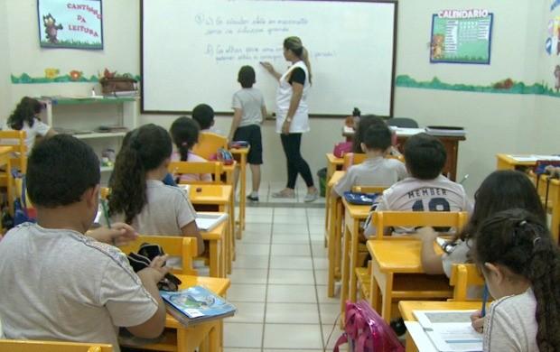 Crianças com TDAH tem dificuldade em manter atenção nas aulas e podem ter desempenho prejudicado (Foto: Bom Dia Amazônia)