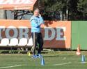 Palmeiras perde mais dois, e Dorival quebra a cabeça para montar time