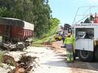 Via fica parcialmente interditada para retirada de caminhão em Itapetininga