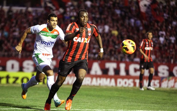 Manoel jogo Atlético-PR e Portuguesa (Foto: Joka Madruga / Futura Press)