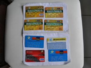 Em uma das casas fechadas, a responsável deteve os cartões para o saque da aposentadoria (Foto: Divulgação)