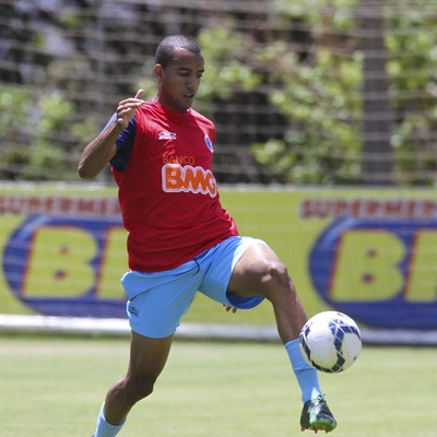 Breno Lopes, lateral do Cruzeiro (Foto: Washington Alves/Light Press)