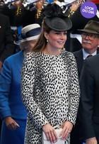 Look do dia: Kate Middleton arrasa de animal print em Londres