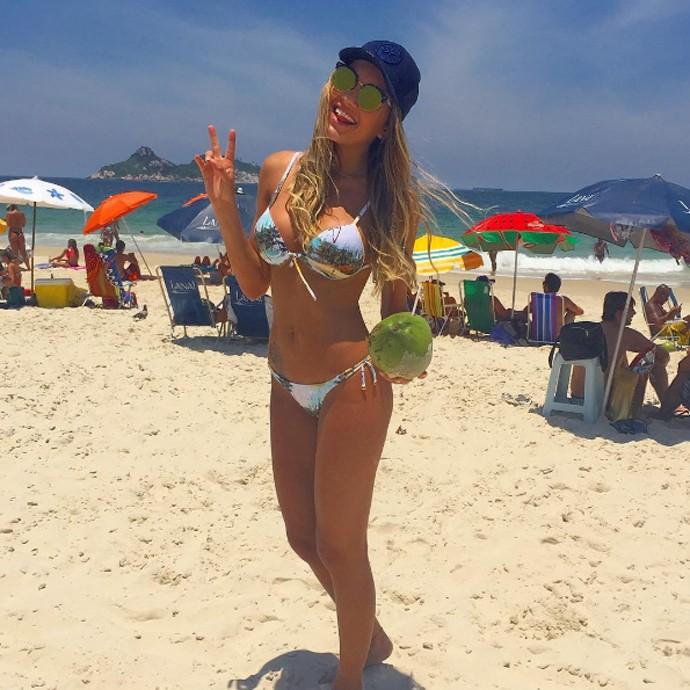 Daiane de Paula na praia (Foto: Arquivo Pessoal)
