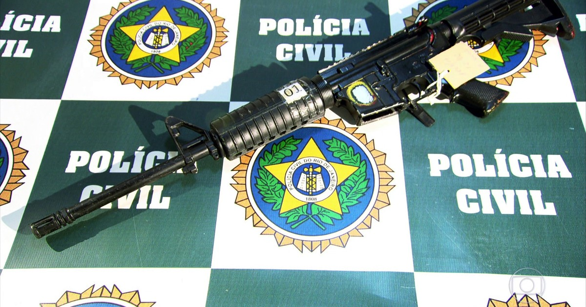 Traficantes montam fuzis genéricos com peças contrabandeadas