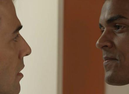 Sérgio abre segredo do passado para Ivan