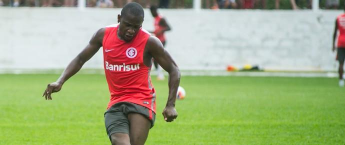 Willians Inter treino Bento Gonçalves Pré-temporada (Foto: Alexandre Lops/Internacional)