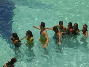 Atividades de lazer na piscina durante o último retiro (Foto: Ênio Monteiro/Arquivo Pessoal)