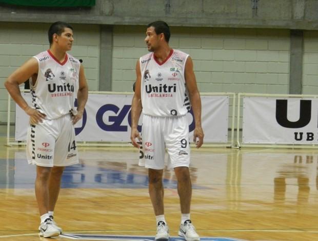 Robby Collum, basquete Uberlândia (Foto: Diego Alves)